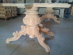 Basamento per tavolo intagliato a mano, pronto per la verniciatura 2 Elle Falegnameria artigianale toscana