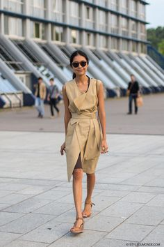 #KamilyaKuspan working neutrals to perfection in Paris.