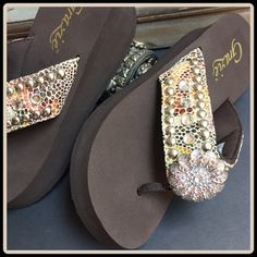"""JUST IN [GRAZIE] WEDGE RHINESTONE THONG VARIOUS SIZES WITH TAGS $70 Retail + Tax  Put some bling in your step!   *Leather upper *Petaled-patterned rhinestones *Slip-on thong construction *Textile lined thong *Arch support *Rubber outsole *0.875"""" platform; 1.5"""" wedge; feels like a 0.625"""" wedge  2+ BUNDLE=SAVE  ‼️NO TRADES--NO HOLDS  Brand Name Items Authentic   ✈️Ship Same Day--Purchase by 2PM PST  USE BLUE OFFER BUTTON TO NEGOTIATE  ✔️Ask Questions Not Answered In Description--Want You To Be…"""