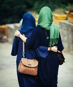 Find images and videos about friends, islam and hijab on We Heart It - the app to get lost in what you love. Hijab Niqab, Muslim Hijab, Hijab Outfit, Beautiful Muslim Women, Beautiful Hijab, Hijabi Girl, Girl Hijab, Famous Footware, Wedding Dress