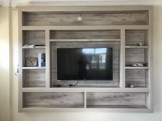 Living Room With Tv Decor Built Ins Ideas - Wohnzimmer - entertainment Living Room Built Ins, Living Room Tv, Tv Wall Ideas Living Room, Bedroom Tv Wall, Living Room Remodel, Master Bedroom, Tv Wanddekor, Wood Furniture Living Room, Wooden Furniture
