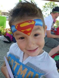 superman - i like that the symbol takes up most of the forehead. Superman Face Painting, Monster Face Painting, Face Painting For Boys, Body Painting, Easy Face Painting Designs, Boy Face, Child Face, Cheek Art, Fantasy Make Up