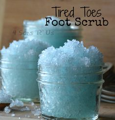 Tired Toes Foot Scrub – 4 Sons 'R' Us Tired Toes Foot Scrub. only 2 ingredients, and a perfect way to pamper yourself at the end of any day! Body Scrub Recipe, Sugar Scrub Recipe, Diy Body Scrub, Diy Scrub, Sugar Scrub Homemade, Homemade Beauty Products, Lush Products, Body Products, Diy Spa