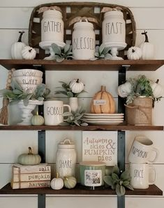 30 Stunning Kitchen Shelf Decor Ideas That You Will Like - Aside from mere places where you will put your containers in the kitchen, the decorative shelves can also help a lot in making this part of your house. Kitchen Shelf Decor, Kitchen Shelves, Kitchen Worktop, Fall Home Decor, Autumn Home, Home Decor Inspiration, Decor Ideas, Kitchen Inspiration, Gift Ideas