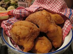 Maori Style Fried Bread of Michael Teka - Recipefy Fried Bread Recipe, Bread Recipes, New Zealand Food, Polynesian Food, Food Design, Sweet Recipes, Fries, Good Food, Cooking