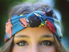 10 Ways to Wear a Headscarf (I really want to be able to pull this look off, but I'm not sure that I can...)