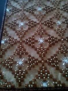 Embroidery Stitches, Embroidery Designs, Bargello, Stitch Design, Diy And Crafts, Applique, Cross Stitch, Beads, Rugs