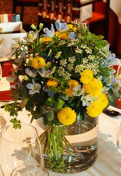 #mitakisou#novarese#vressetrose#Wedding #japanese #main table #table #Flower #guesttable#Bridal#三滝荘# ブレスエットロゼ #ウエディング# 和風 #和装 # ゲストテーブル#トーション #テーブル # 花#テーブルコーディネート#ブライダル#結婚式#ナチュラル#ブレスエットロゼ広島#イエロー#ブルー