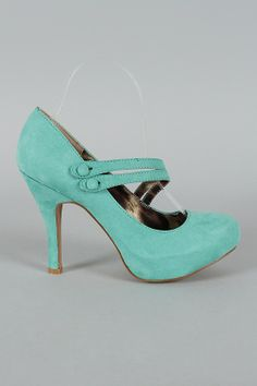 Love the mint shoes