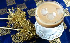 Viel leichter, aber ohne geschmackliche Abstriche! Vegane Irish Cream ist einfacher selbst gemischt als man denken möchte.