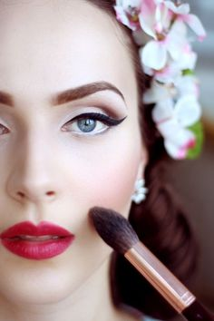 Vintage Makeup Super Glam makeup reference - Join us for a super fun, personalised 1940s Makeup, Retro Makeup, Glam Makeup, Makeup Inspo, Makeup Inspiration, Makeup Tips, Hair Makeup, Rockabilly Makeup, 1950s Hair And Makeup