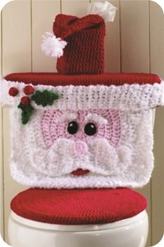 Original Crochet Design by: Maggie Weldon Skill Level: Easy Size:Toilet Cover fits most standard household toilets. Kleenex cover is for square tissue boxes.Cute Crochet Toilet Seat Covers - How To InstructionsHow To Instructions - Page 76 of 170 - D Crochet Diy, Crochet Santa, Christmas Crochet Patterns, Holiday Crochet, Crochet Home, Crochet Crafts, Crochet Projects, Funny Crochet, Crochet Rabbit