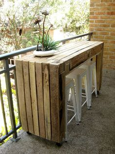 #Pallets: Bar made from pallets - http://dunway.info/pallets/index.html