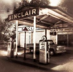 Wonderful shot of a Sinclair station in Fort Worth, Texas, by Instagram's @jellymatic. What do you think? Gas Station, Old Trucks, Fort Worth, Signage, Texas, Memories, Oil, Instagram, Memoirs