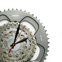 This Bike Gear Clock is off to a new home in Maryland, USA today. Now for a fun little fact about Maryland, not bike related unfortunately but beer related which is almost as good. 😉 Back in the 1940's a Maryland brewery Natty Boh aka. National Bohemian Beer was the first brewing company to issue the six-pack of beer, with the thinking 4 was too few and 8 too many... clever cookies!  Shop for Gifts for Cyclists and other Bike Clocks here - www.treadandpedals.com.au