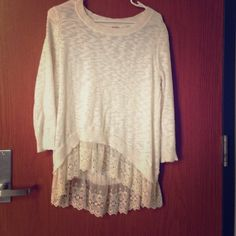 Lace 3/4 sleeve Cute girly 3/4 sleeve that is casual but dressy. Worn a couple times, good condition Mossimo Supply Co Tops Blouses