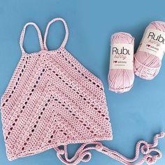 Crochet Summer Tops, Crochet Halter Tops, Crochet Crop Top, Crochet Blouse, Crochet Bikini, Knit Crochet, Beginner Crochet Projects, Crochet For Beginners, Christmas Crochet Patterns