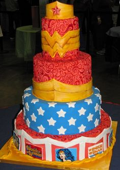 Showcake Entry Title: Wonder Woman by Rebecca Triplett Capital Confectioners' Annual 2011 That Takes the Cake Sugar Art Show & Cake Competition Wonder Woman Cake, Wonder Woman Birthday, Wonder Woman Party, Amazing Wedding Cakes, Amazing Cakes, Super Cool Cakes, Horror Cake, Cake Competition, Birthday Cakes For Women