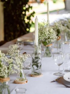 Rustic table inspiration #gypsohila #rustic #rustictable #tabledecor #rustictabledecoration #tableinspiration #candles #floral #baptism #babybaptism