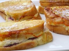 Leftover Turkey-Cranberry Monte Cristo Sandwiches from NoblePig.com