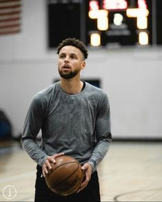 Stephen Curry Shooting Form, Stephen Curry Wallpaper, Stephen Curry Basketball, Curry Nba, Basketball Room, Warriors Game, Golden State Warriors, Wallpapers, Instagram
