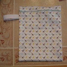 Travel Wetbag   Made with just PUL material (no need for extra fabric outside or a second inner lining). On my to-do-list.