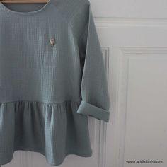 Tissu coton double gaze - Vert amande Le Double, Dressmaking, Bell Sleeve Top, Tunic Tops, Sewing, Crochet, Inspiration, Fashion, Kimonos