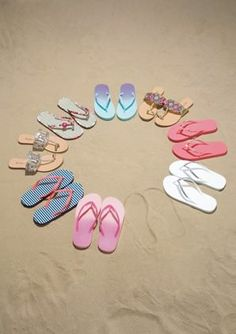 flip-flops #AdditionElleOntheRoad Addition Elle, Must Have Items, Summer Time, Flip Flops, My Favorite Things, Heavenly, Beachwear, Photo Ideas, Paradise