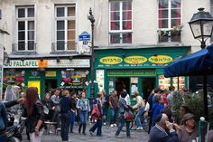 Fallafels in Le Marais http://girlsguidetoparis.com/175724-2/