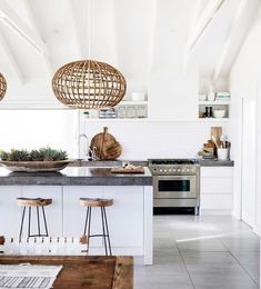You have got a kitchen lighting ideas, we've got ideas to make it better - including tips, pictures, and storage solutions. Get design inspiration from these amazing kitchen lighting ideas. Home Kitchens, Kitchen Remodel, Sweet Home, Kitchen Decor, Modern Kitchen, Interior, Kitchen Interior, Interior Design Kitchen, House Interior