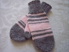 Simple Stashbuster Mittens size 7 (4.5mm) needles worsted weight yarn (beginner)