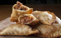 http://gnt.globo.com/receitas/receitas/pastel-de-carne-seca-com-abobora-e-cream-cheese-do-chef-thomas-troisgros.htm