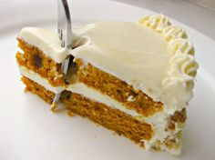 Pumpkin Spice Cake with Cream Cheese Frosting... gah!