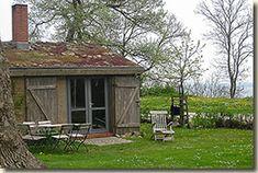 Holzhütten mit Grasdach, Rügen Hostel, Tiny House, Buildings, Germany, Country Houses, Vacation, Germany Travel, Tiny Houses, Deutsch