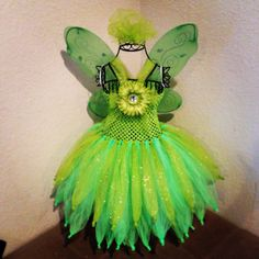 Inspired Tinkerbell Tutu dress I made. Used 50 yards of tulle. Tied to an crochet tube top. Added a clip on flower. Wings were from a Dollar store. Tinkerbell Dress, Tinkerbell Party, Crochet Tutu, Crochet Dresses, Kids Tutu, Diy Dress, Fancy Dress, Crochet Toddler, Bday Girl