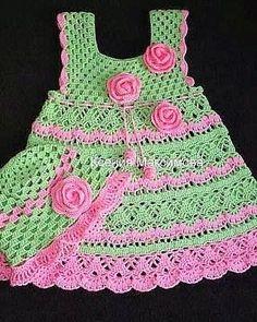 #255 Vestido de Bebé Verde a Crochet