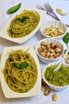 ITALIAN FOOD - SPAGHETTI AL PESTO DI PISTACCHI E MANDORLE (Spaghetti with Pistachio and Almond Pesto)