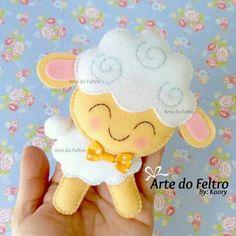 No photo description available. Felt Diy, Felt Crafts, Easter Crafts, Fabric Crafts, Diy And Crafts, Crafts For Kids, Felt Animal Patterns, Bird Patterns, Stuffed Animal Patterns