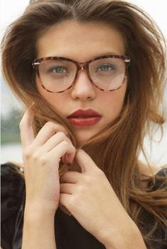 Oversized tortoise shell prescription glasses. Image from http://www.jmclaughlin.com/wp/wp-content/uploads/2013/09/Tortoiseshell-Glasses.jpg.