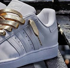 Adidas Original Superstar - white with gold lace