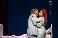 Angela Denoke as Kundry and Simon O'Neill as Parsifal in Parsifal © ROH / Clive Barda 2013