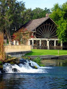 De Leon Springs State Park — De Leon Springs, near Orlando Home to the Old Spanish Sugar Mill, known for its popular make-them-yourself pancakes, this state park also has a four-mile looping hiking trail and is home to Ponce De Leon's fabled Fountain of Youth. floridastateparks.org/deleonsprings