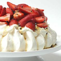 The big advantage of using the Cheesecake Mixture to stabalise the cream in the filling is the fact that the pavlova will keep for up to 6 hours without going soft. Baking Recipes, Cake Recipes, Dessert Recipes, Lunch Recipes, Other Recipes, Sweet Recipes, Trinidad Recipes, Trinidad Food, Delicious Desserts