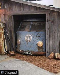 Volkswagen – One Stop Classic Car News & Tips Volkswagen Transporter, Vw Bus T1, Vw Camper, Volkswagen Minibus, Mini Bus, Combi T1, Combi Split, T6 California, Kdf Wagen