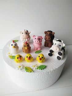 Farm cake set 9 pcs The Effective Pictures We Offer You About far Fondant Figures, Fondant Cake Toppers, Fondant Cupcakes, Cupcake Toppers, Farm Animal Cakes, Animal Cupcakes, Farm Animals, Pear And Almond Cake, Almond Cakes