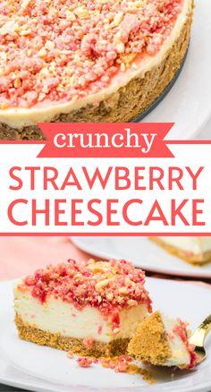 Strawberry Crunch Cake, Strawberry Shortcake Cheesecake, Strawberry Desserts, Strawberry Cheesecake Cake Recipe, Toffee Cheesecake, Cheesecake Strawberries, Strawberry Patch, Strawberry Cupcakes, Chocolate Strawberries