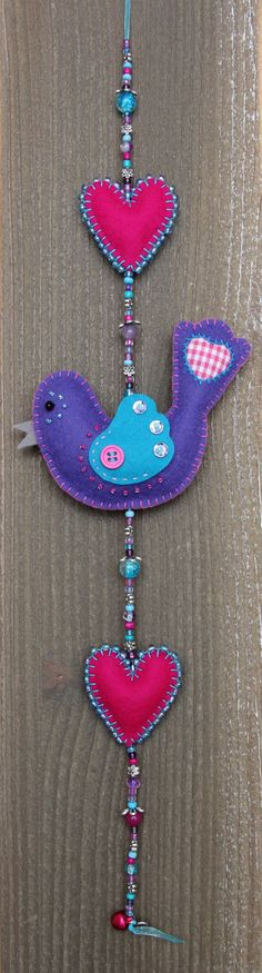 felt birds Felt bird decoration Purple and blue Luckybird door StudioSimone, Yarn Crafts, Felt Crafts, Sewing Crafts, Diy And Crafts, Mobiles, Patchwork Quilting, Felt Christmas, Christmas Crafts, Felt Bookmark