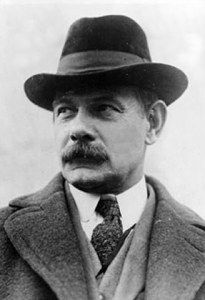 Gutzon de la Mothe Borglum (March 25, 1867 – March 6, 1941) was a Danish-American sculptor famous for creating the monuments of the presidents' heads at Mount Rushmore, South Dakota and the famous carving on Stone Mountain near Atlanta.