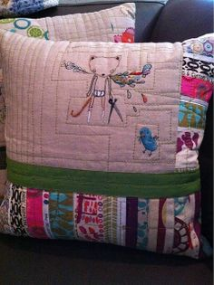 I love this quilted pillow. So cool.