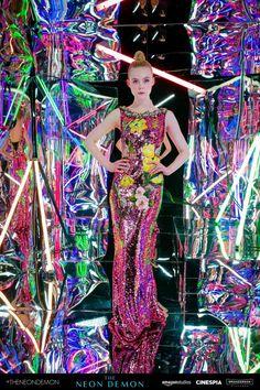 Elle Fanning – 'The Neon Demon' Premiere Photobooth in Los Angeles